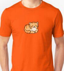 Sleeping orange & white pussy cat Unisex T-Shirt