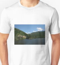 Lake in Crawford Notch state park NH T-Shirt