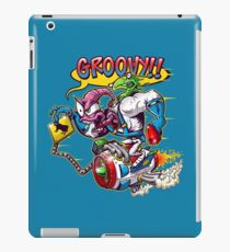 Groovy Fink iPad Case/Skin