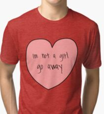 Camiseta de tejido mixto no es una niña