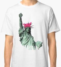 Resist - Statue of Liberty Classic T-Shirt