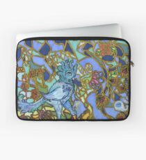Paradise Bird and winged whale Laptoptasche