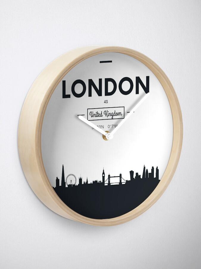 Alternative Ansicht von Skyline der Stadt London Uhr