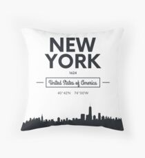 city skyline New York Throw Pillow