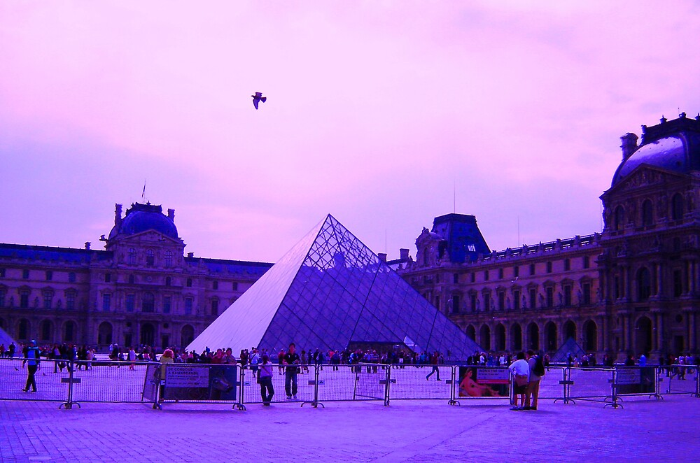 A Louvre away from Paradise by HamRadio
