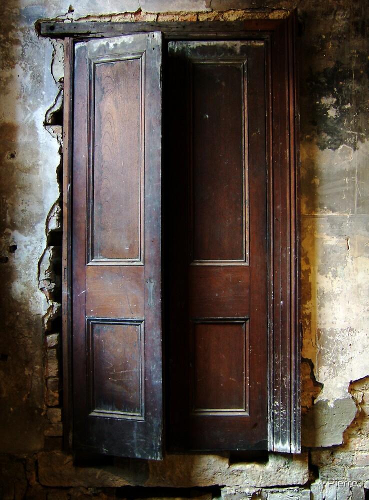 Door 01 by Pierre