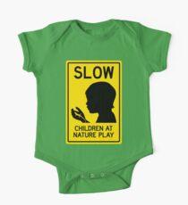 Body de manga corta para bebé Niños en la naturaleza Play