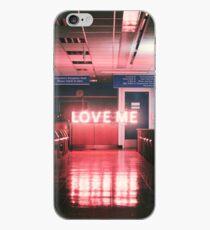"""Vinilo o funda para iPhone El """"Love Me"""" de 1975"""