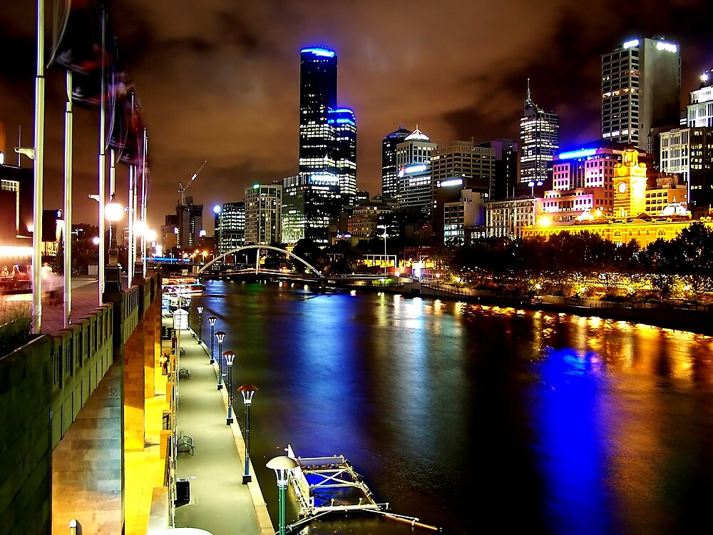 Melbourne by night by Lissy