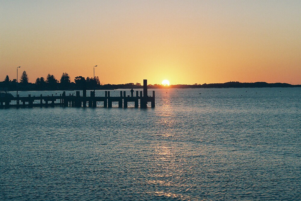 Sunset over Rockingham by dodgsun