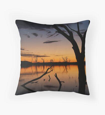 Sunrise, Lake Fyans Grampians Throw Pillow