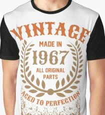 Vintage Made In 1967 Distressed Birthday Gift Graphic T-Shirt
