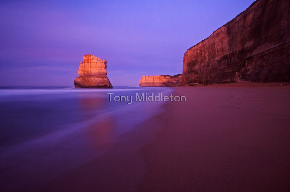 apostle dawn - Victoria by Tony Middleton