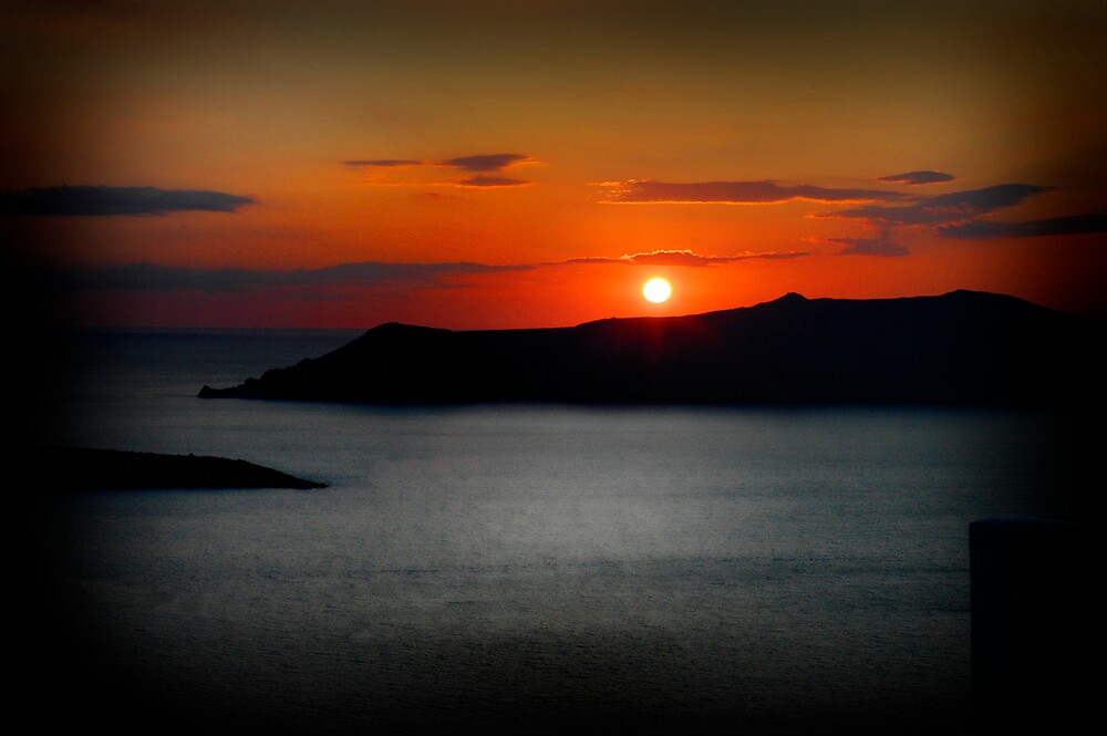 Sunset in Santorini by Simon Mitrovich