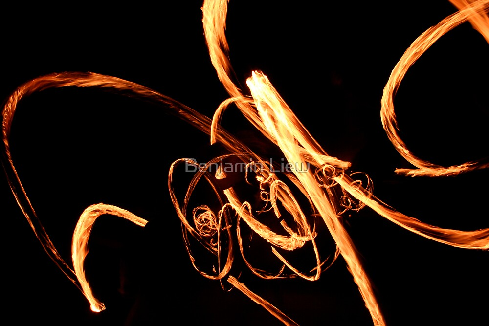Fire twirling by Benjamin Liew