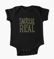 snuggle es real One Piece - Short Sleeve