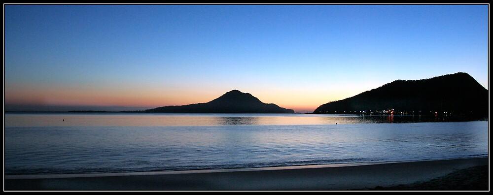 Shoal Bay Sunrise by RailDen
