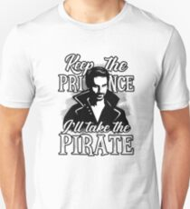 Gimme the pirate! Unisex T-Shirt