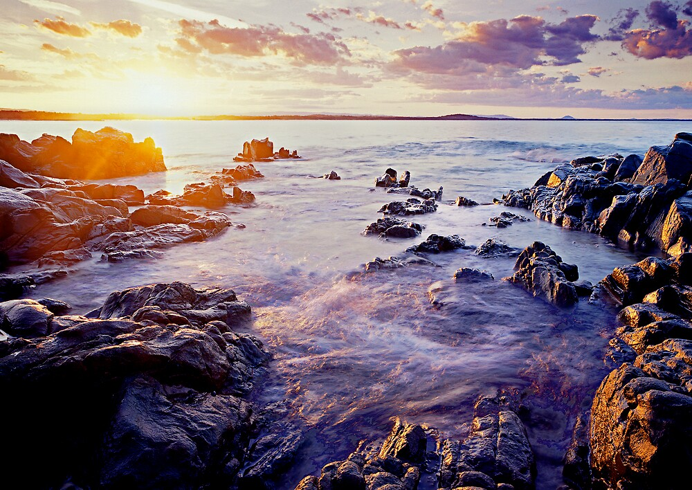 Sunset at Noosa - the Boiling Pot by Bruce  Thomson