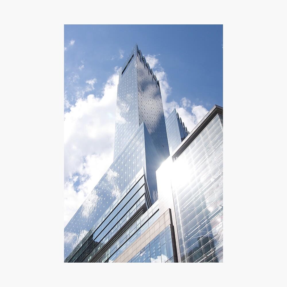 Himmelreflexion auf Wolkenkratzer in New York Fotodruck