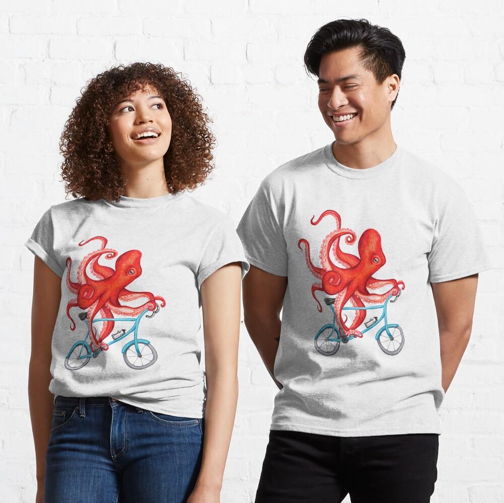 Cycling octopus Classic T-Shirt