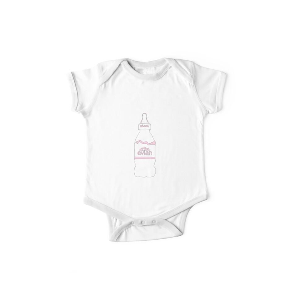 Evian Babyflasche von Hayden Shue