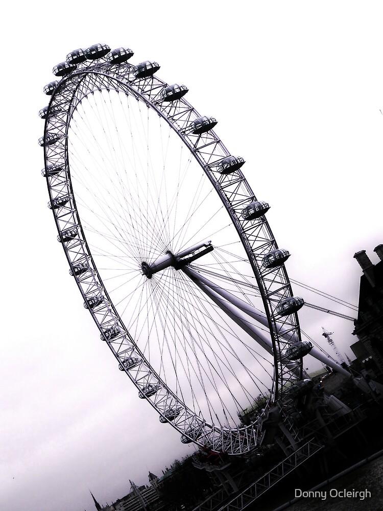 london eye, England by Donny Ocleirgh
