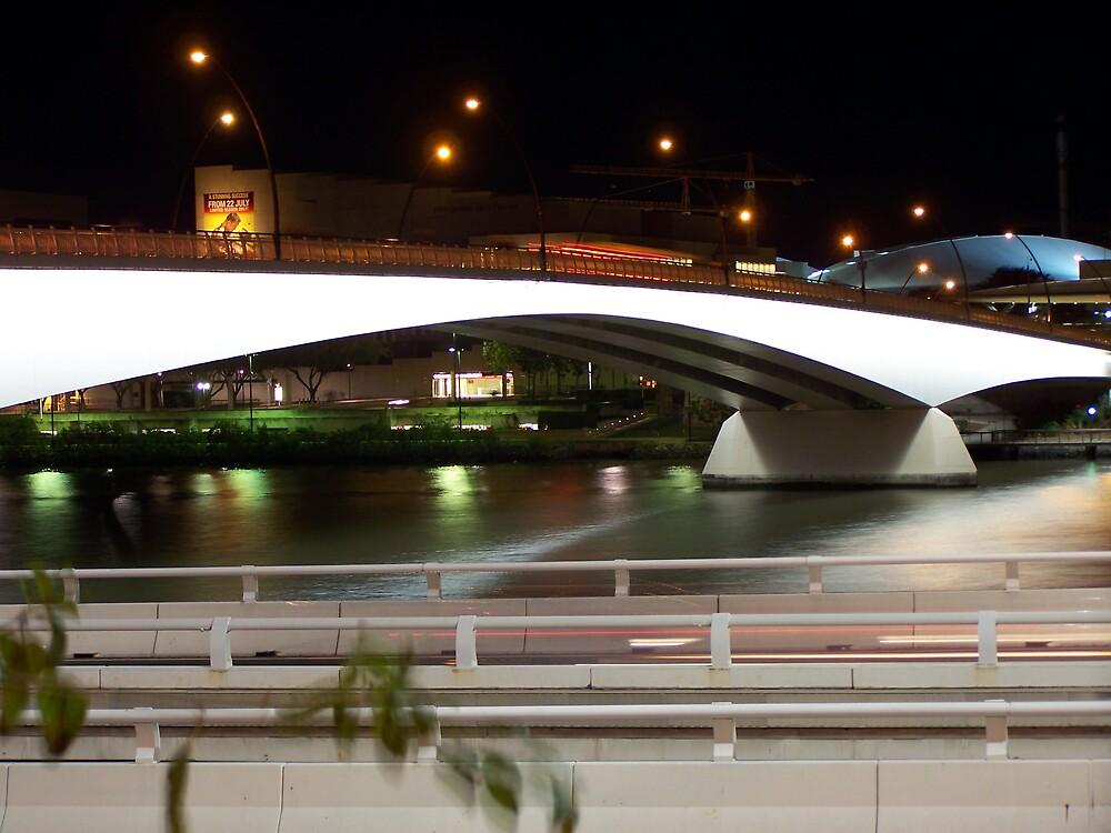 Victoria Bridge by aperture