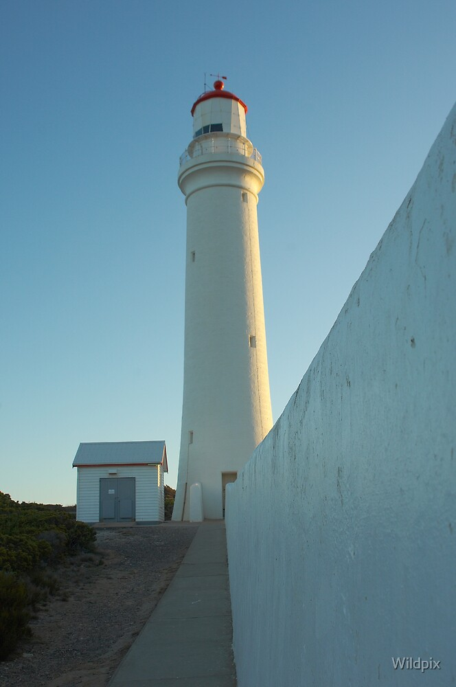 Cape Nelson Lighthouse by Wildpix