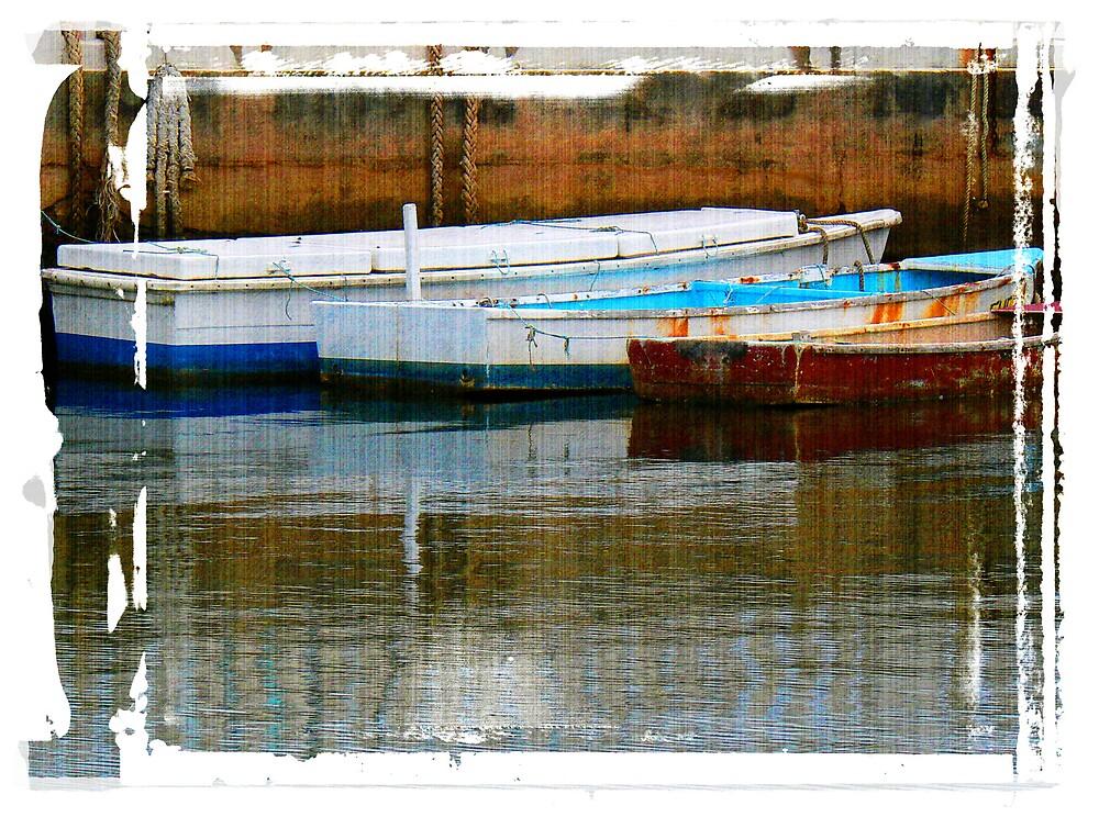 Flat Boats...Wynnum Creek by Paul  Milburn