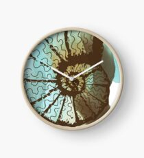 Nautilus Shell - Cool Vintage Ocean Beach Spiritual Shell Painting And Design Clock