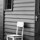 A place to rest - Melbourne by Norman Repacholi