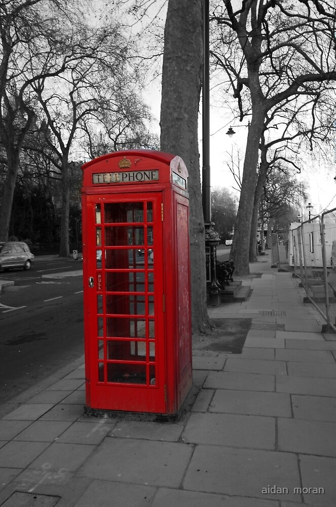 London Telephone Box by aidan  moran