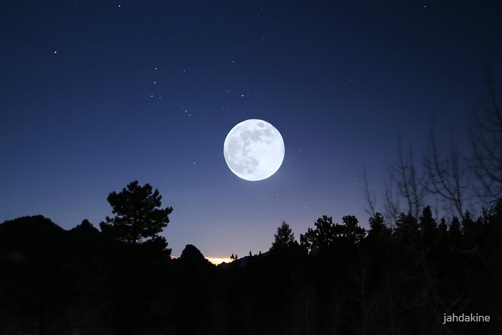 Blue Moon Sunday by jahdakine