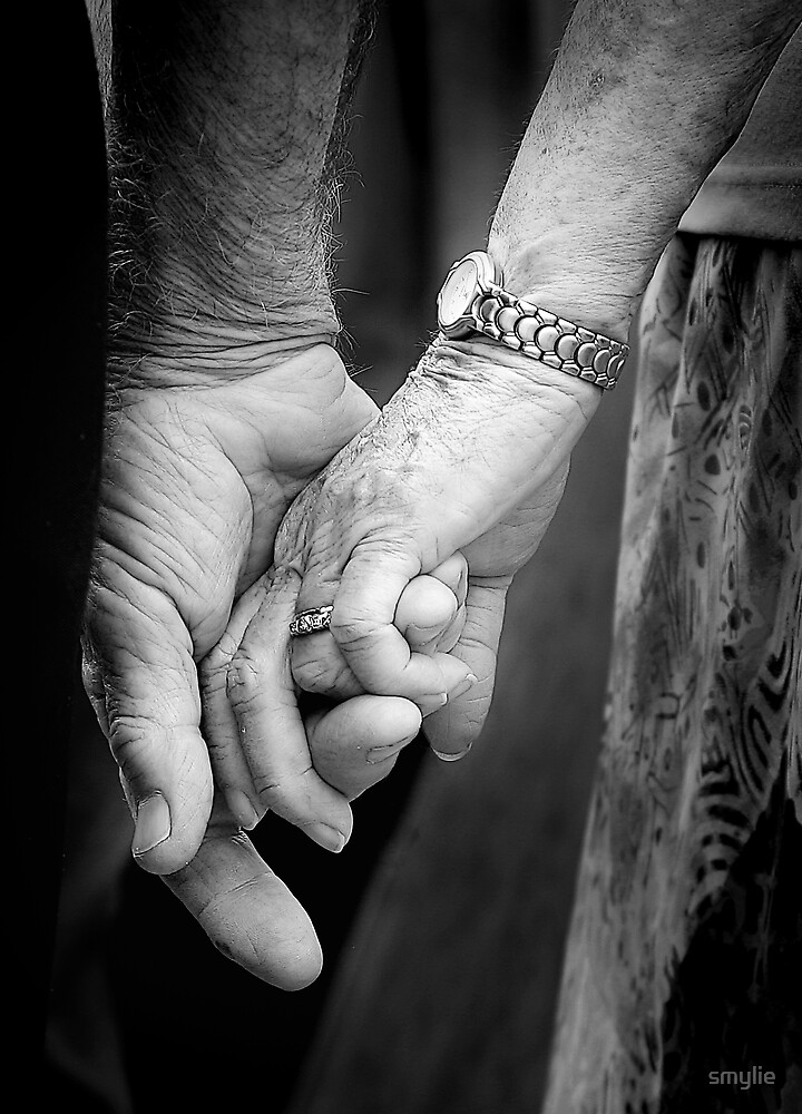 Hand in Hand by smylie