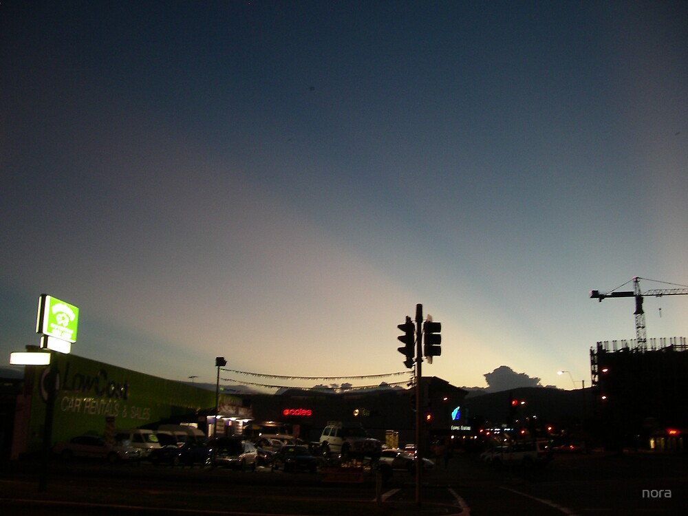 Cairns dusk. by nora