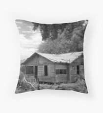 Old Homestead Throw Pillow