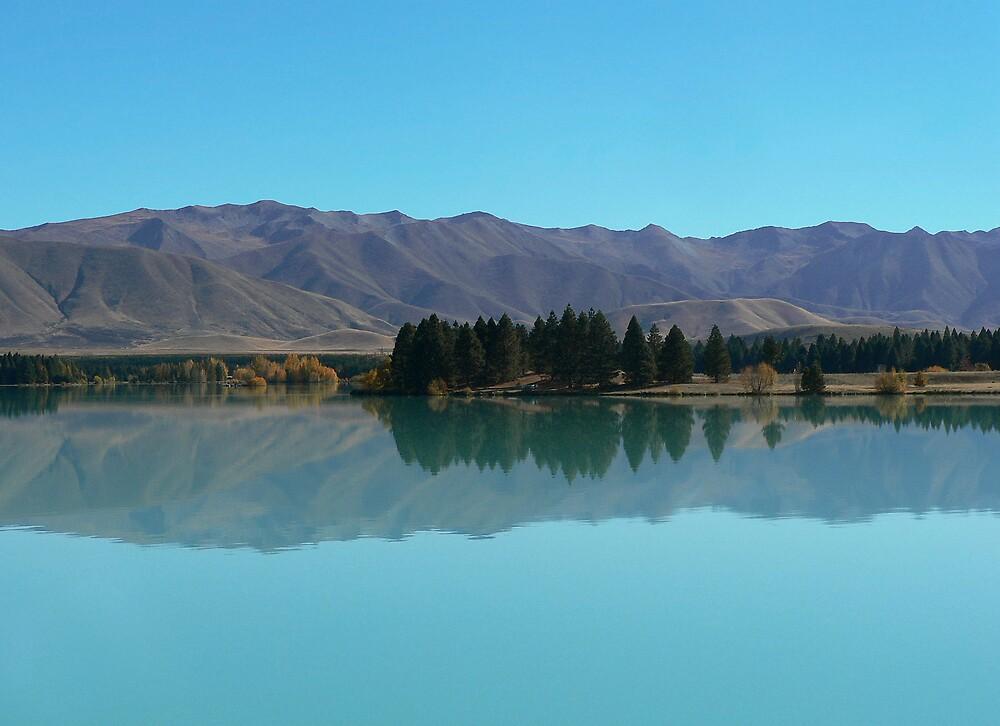 Lake Reflections by 2cdworld
