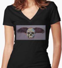 Raven Skull Women's Fitted V-Neck T-Shirt