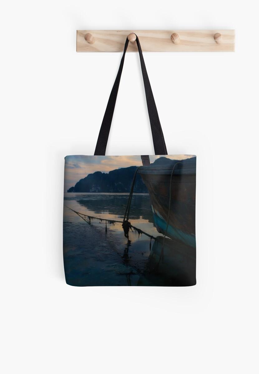 Sunset boat by nsoup