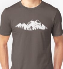 Wheelie in front of mountains Unisex T-Shirt