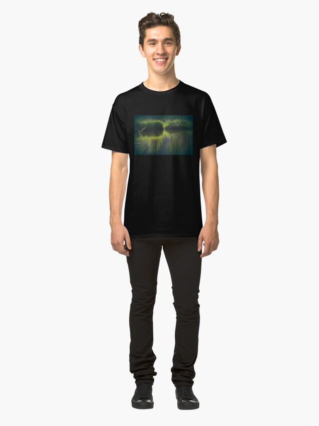 Alternate view of turtle swimming away at Trojan pond, near Goble, Oregon Classic T-Shirt