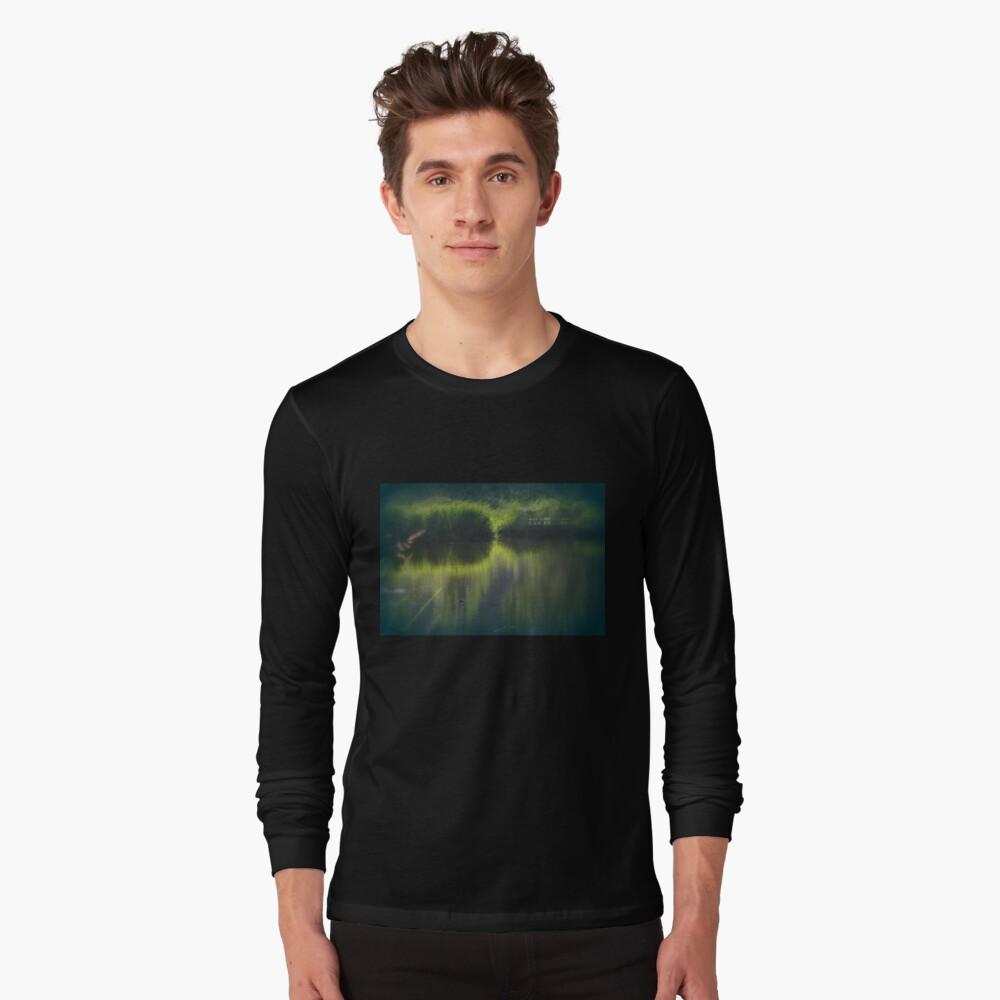turtle swimming away at Trojan pond, near Goble, Oregon Long Sleeve T-Shirt
