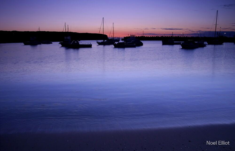 Ulladulla Harbour by Noel Elliot
