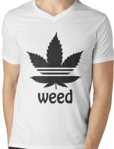 Free the Weed Cannabis Leaf Design Mens V-Neck T-Shirt