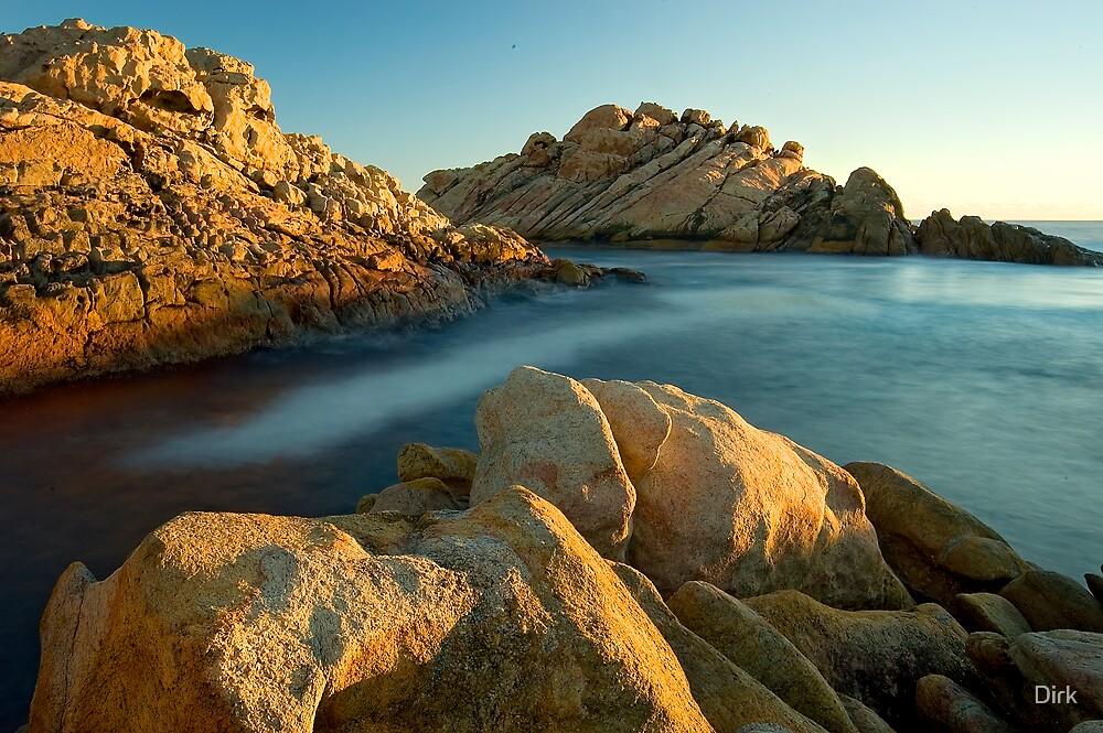 Caves Beach by Dirk