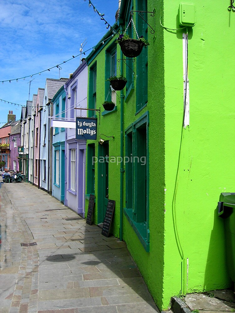 Colorful Street, North Wales by patapping