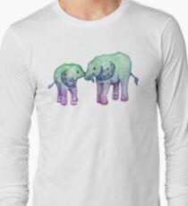 Baby-Elefant-Liebe Langarmshirt
