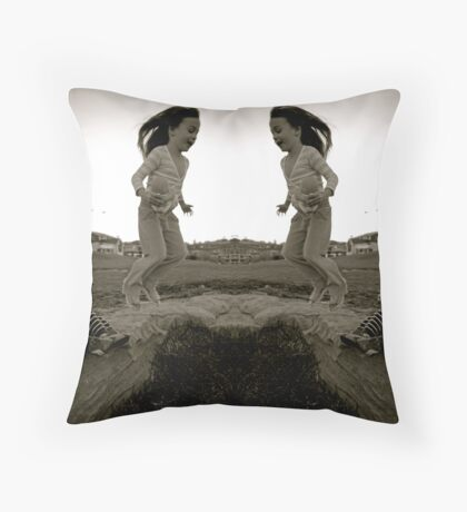 jumping into the black hole Throw Pillow