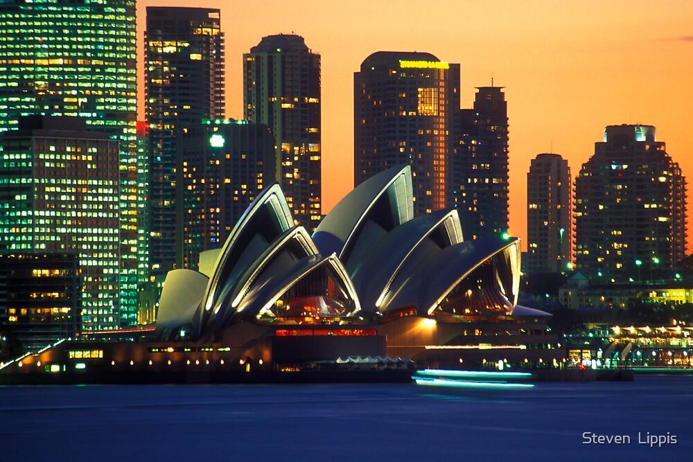 Opera House by Steven  Lippis
